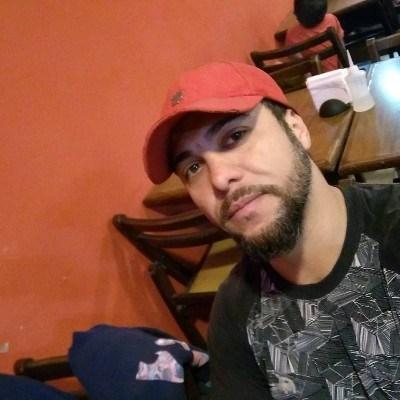 Adriano, 36 anos, namoro online