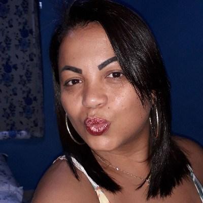 Nandinha, 35 anos, namoro