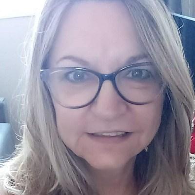 Vania, 63 anos, namoro online