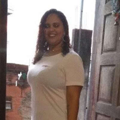 Laís, 33 anos, site de encontros