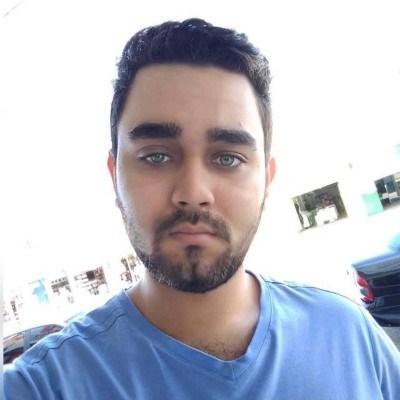 Caiua, 23 anos, namoro