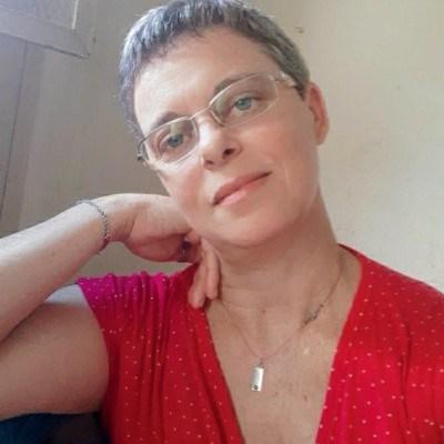 Branca, 51 anos, site de encontros