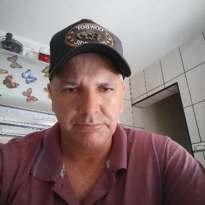 Marcos, 50 anos, site de encontros