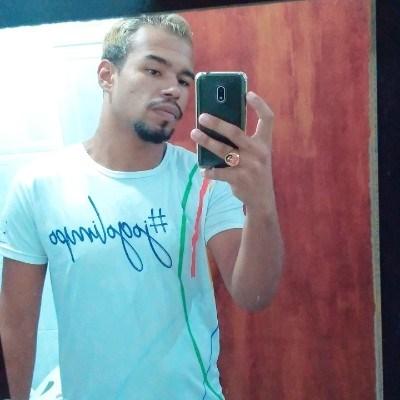 Gomes, 20 anos, namoro online