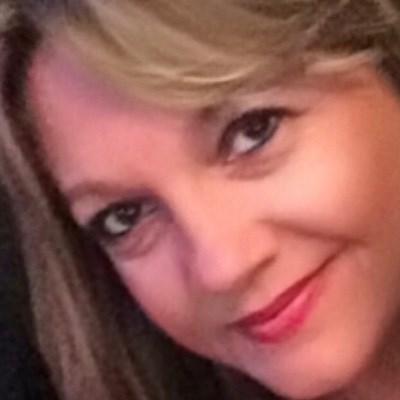 Ana Lavínia, 49 anos, namoro