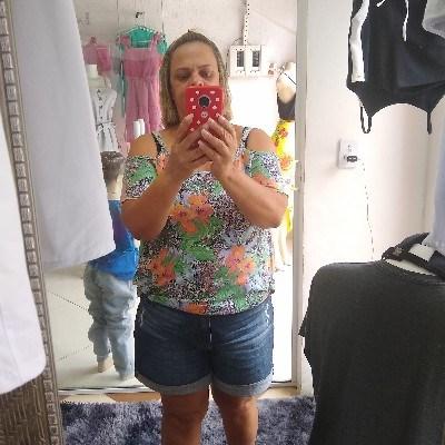 Vera, 46 anos, namoro