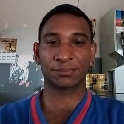 Dion, 29 anos, namoro online gratuito