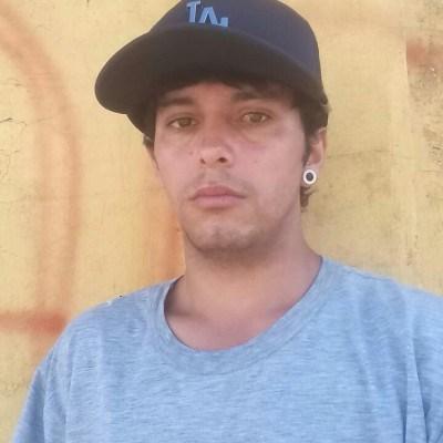 Flávio, 23 anos, site de namoro gratuito
