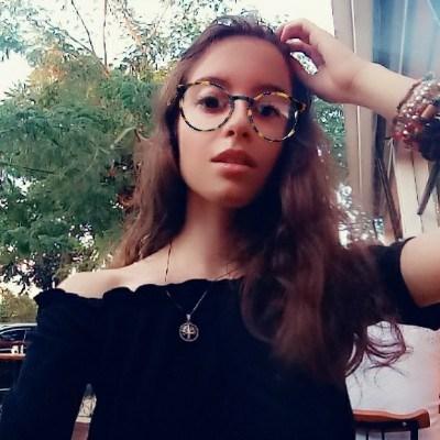 Nini, 18 anos, site de encontros