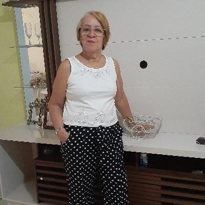 Cidinha, 41 anos, site de namoro gratuito
