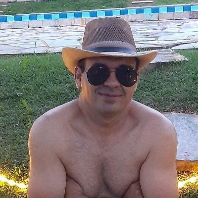 Andim, 40 anos, site de encontros