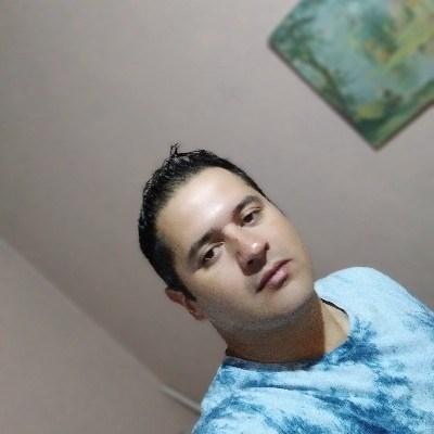 Diego, 32 anos, namoro serio