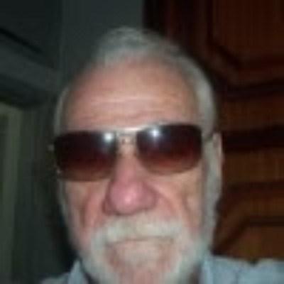 Martins, 77 anos, site de encontros
