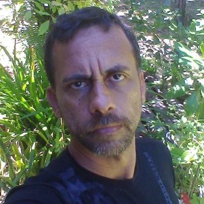 Poliamor, 55 anos, site de namoro