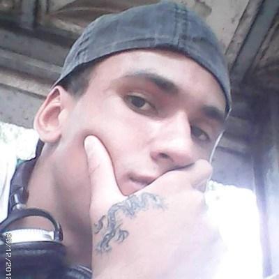 Tiago, 32 anos, site de encontros