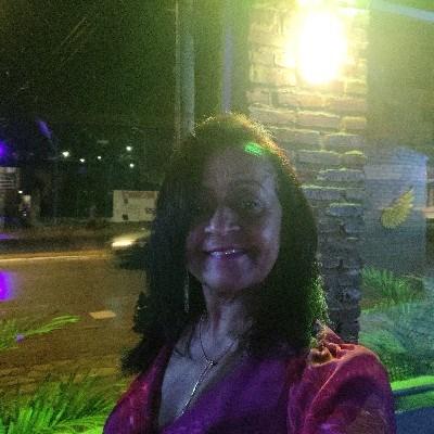 Helena, 59 anos, namoro serio