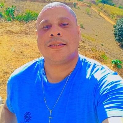 Barão, 41 anos, site de relacionamento