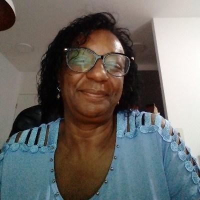 mari, 58 anos, namoro