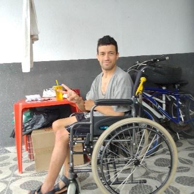 Fabinho, 33 anos, namoro online gratuito