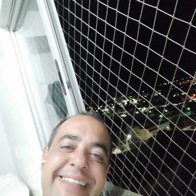 Guilherme César, 34 anos, namoro online gratuito