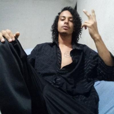 San, 20 anos, namoro