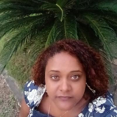 Cyda, 36 anos, namoro serio