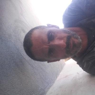 Iran Jose, 42 anos, namoro online
