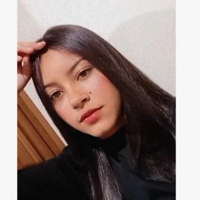 Manuella, 19 anos, site de encontros