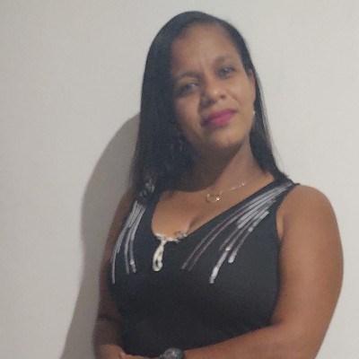 Leila, 40 anos, site de encontros