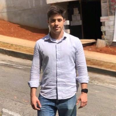 Pedro Saraiva, 22 anos, namoro serio
