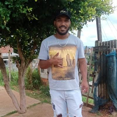 Luis, 26 anos, site de encontros
