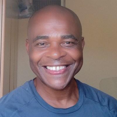 Jamaica, 41 anos, paquera