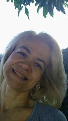 ---, 49 anos, solteira