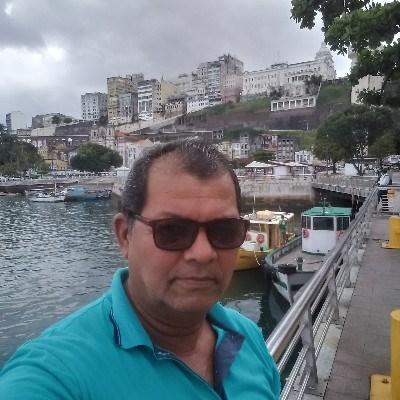 Daniel, 60 anos, namoro online gratuito