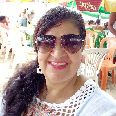 Linna, 49 anos, namoro