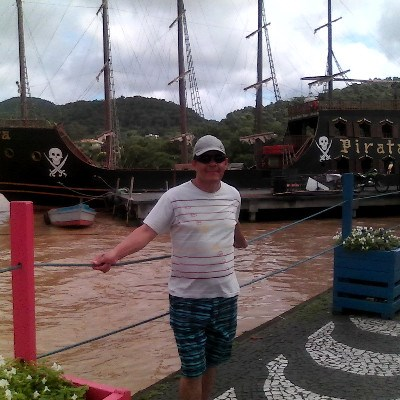 Leon, 61 anos, site de encontros