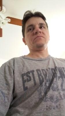 Tiago Domingues, 36 anos, bisexual