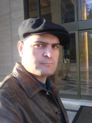 Lino, 43 anos, gay