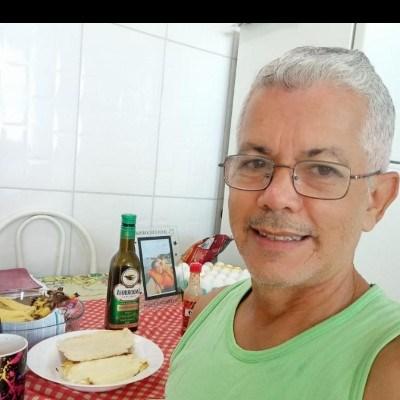 Quirino, 54 anos, namoro online gratuito