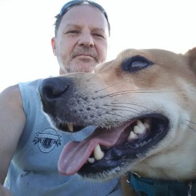 Tonif, 47 anos, namoro no Brasil