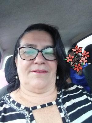SMB, 56 anos, solteiro