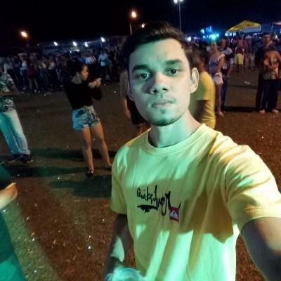 Rafael L Souza, 27 anos, namoro online gratuito