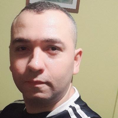 Tiago, 33 anos, site de encontros