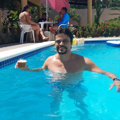 MAX, 38 anos, bate papo